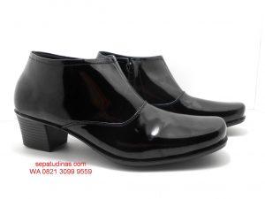 Sepatu Halfboot 01